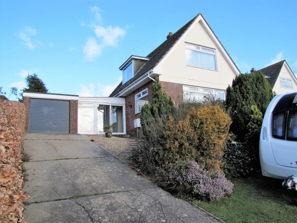 3 Bedrooms Detached House for sale in Higher Holcombe Drive, Teignmouth, TQ14 8RF