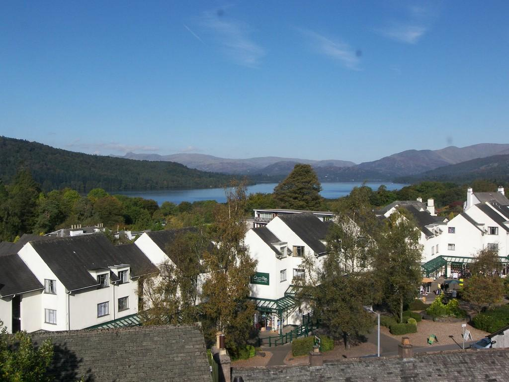 2 Bedrooms Apartment Flat for sale in 1c Lake View Villas, Bowness On Windermere, Cumbria, LA23 3BP