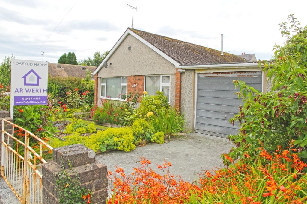 3 Bedrooms Detached Bungalow for sale in Gors Goch, Menai Bridge, North Wales