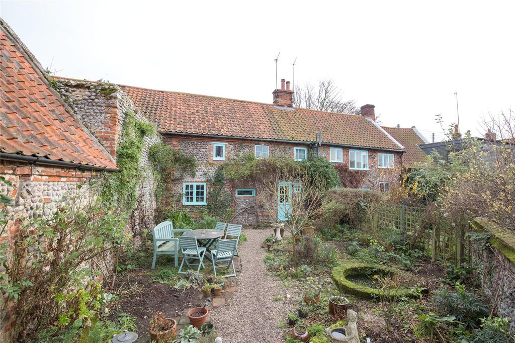 3 Bedrooms Terraced House for sale in The Street, Kelling, Holt, Norfolk, NR25