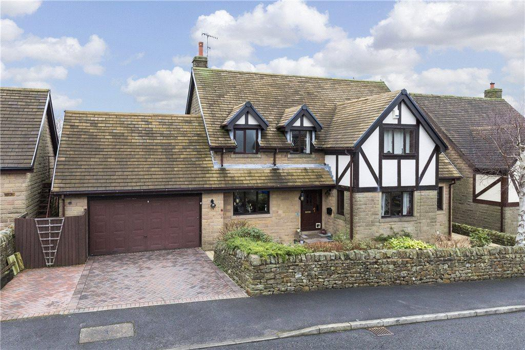 4 Bedrooms Detached House for sale in Foster Road, Barnoldswick, Lancashire