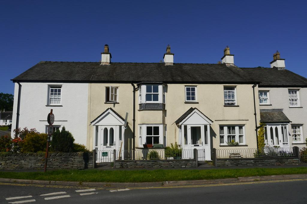 3 Bedrooms Terraced House for sale in 2 Limetree Cottages, Hawkshead, LA22 0RN