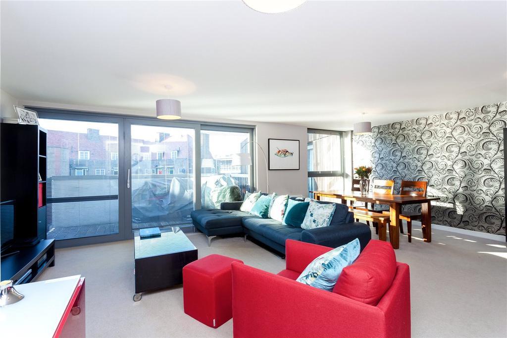 2 Bedrooms Flat for sale in Hornsey Road, London, N7