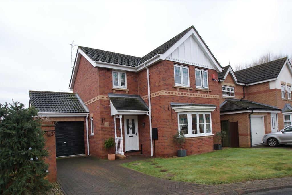 3 Bedrooms Detached House for sale in Trent Gardens, Kirk Sandall, Doncaster, DN3 1SR