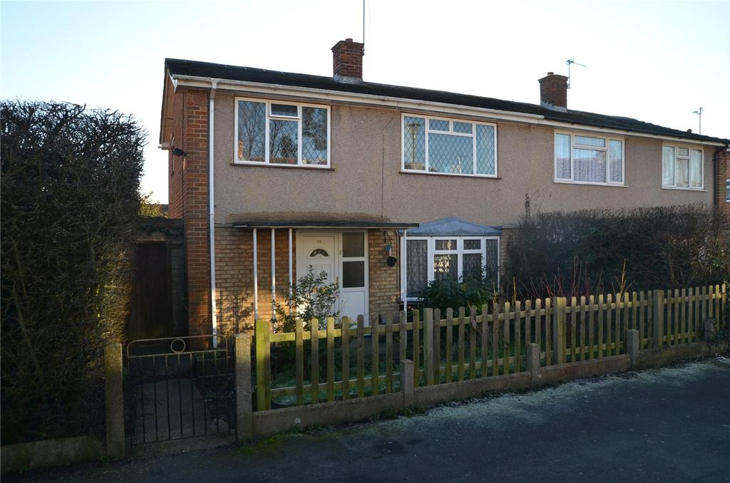 3 Bedrooms Semi Detached House for sale in Kestrel Way, Reading, Berkshire, RG30