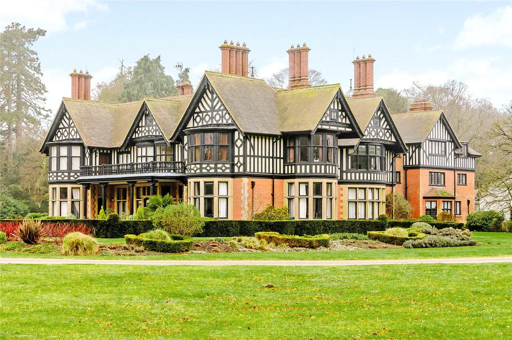 3 Bedrooms Flat for sale in The Manor, Herringswell, Bury St. Edmunds, Suffolk