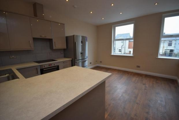 2 Bedrooms Apartment Flat for sale in King Street, Dukinfield, Ashton Under Lyne, Tameside, SK16 4JZ