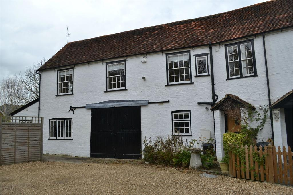 3 Bedrooms Semi Detached House for rent in High Street, Twyford, Berkshire, RG10