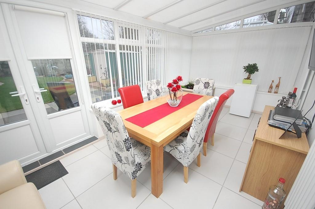 3 Bedrooms Semi Detached House for sale in Birch Garden, Windlehurst , St. Helens