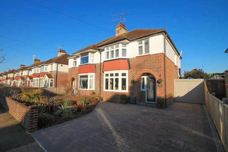 3 Bedrooms Semi Detached House for sale in Broomfield Avenue, Worthing