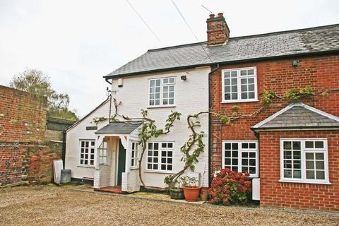 2 bedroom cottage to rent - Gerrards Cross Road, Stoke Poges