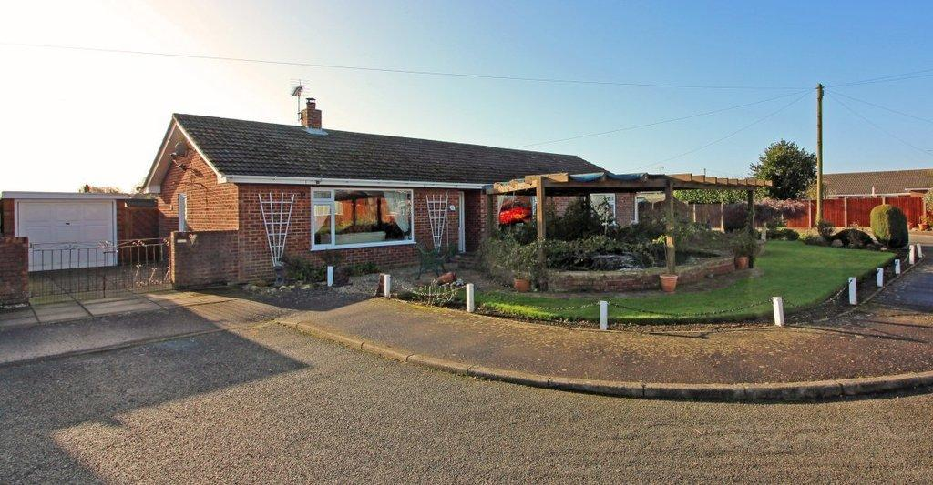 4 Bedrooms Detached Bungalow for sale in Carl Crescent, Trunch