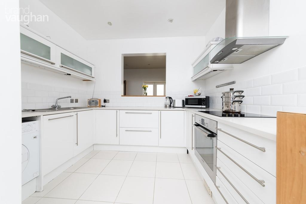 4 Bedrooms Detached House for sale in The Drove, Brighton, BN1