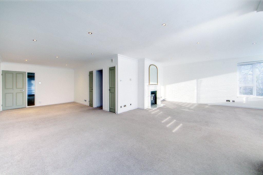 3 Bedrooms Maisonette Flat for rent in Grove House, The Grove, NE3