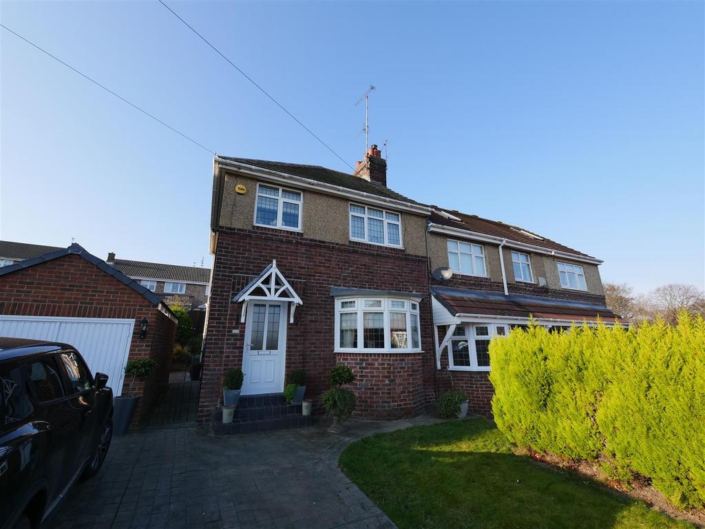 3 Bedrooms Semi Detached House for sale in Hillside Gardens, Tunstall, Sunderland
