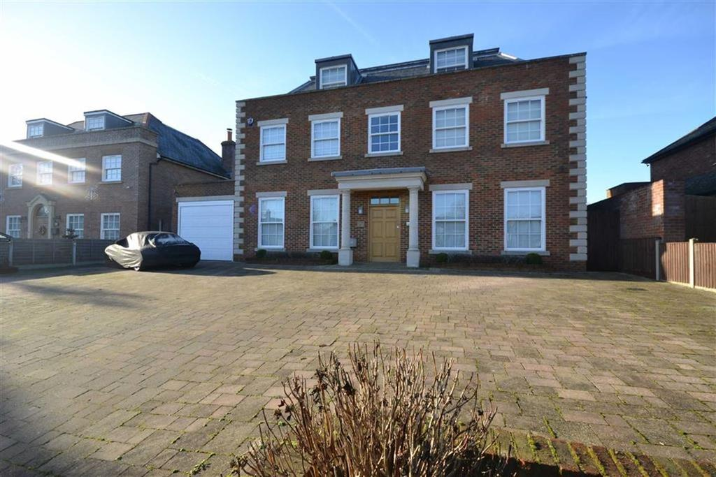 5 Bedrooms Detached House for sale in Parkgate Avenue, Hadley Wood, Hertfordshire