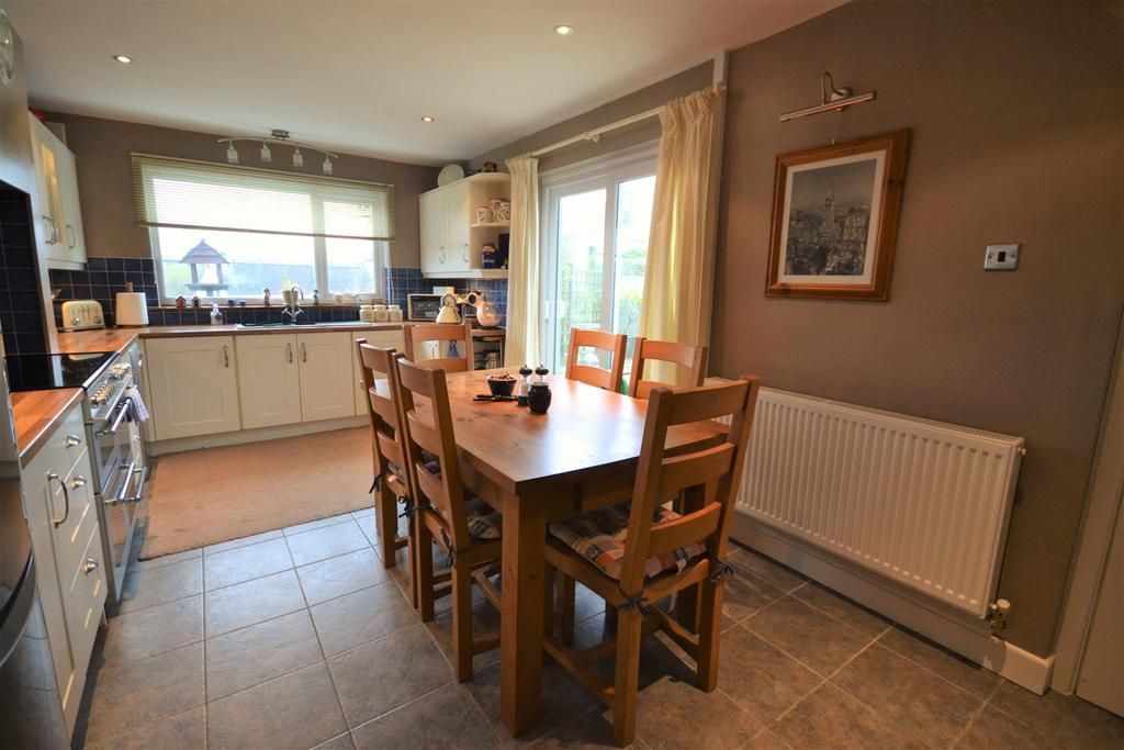 3 Bedrooms Detached Bungalow for sale in Rosemarket