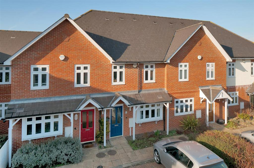 3 Bedrooms Terraced House for sale in Styles Court, Paddock Wood