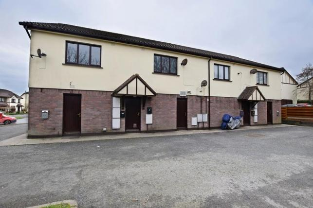 1 Bedroom Apartment Flat for sale in Clybane Court, Farmhill, Douglas, IM2 2NF