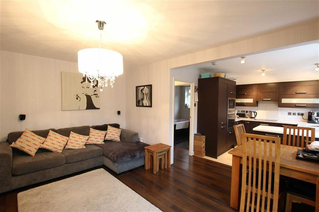 2 Bedrooms Flat for sale in Oakleigh Park North, Oakleigh Park, London