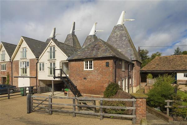 5 Bedrooms Semi Detached House for sale in Mulberry Oast, Soles Hill Road, Shottenden