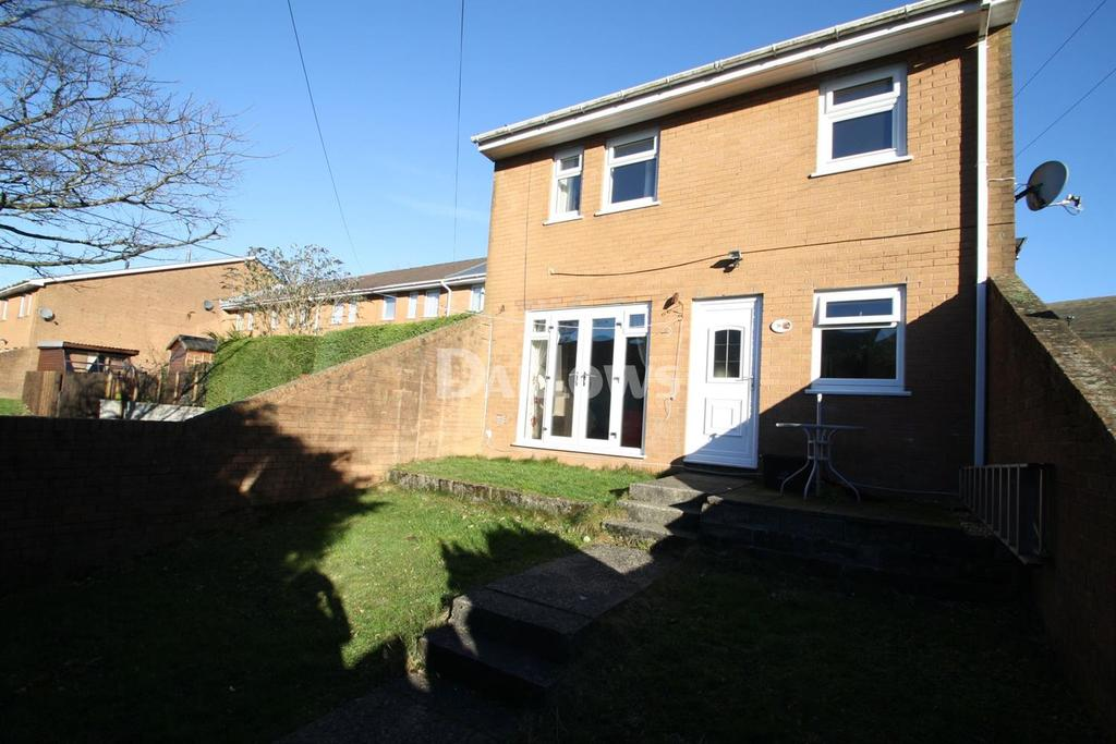 2 Bedrooms End Of Terrace House for sale in Southlands, Blaina, Abertillery, Gwent