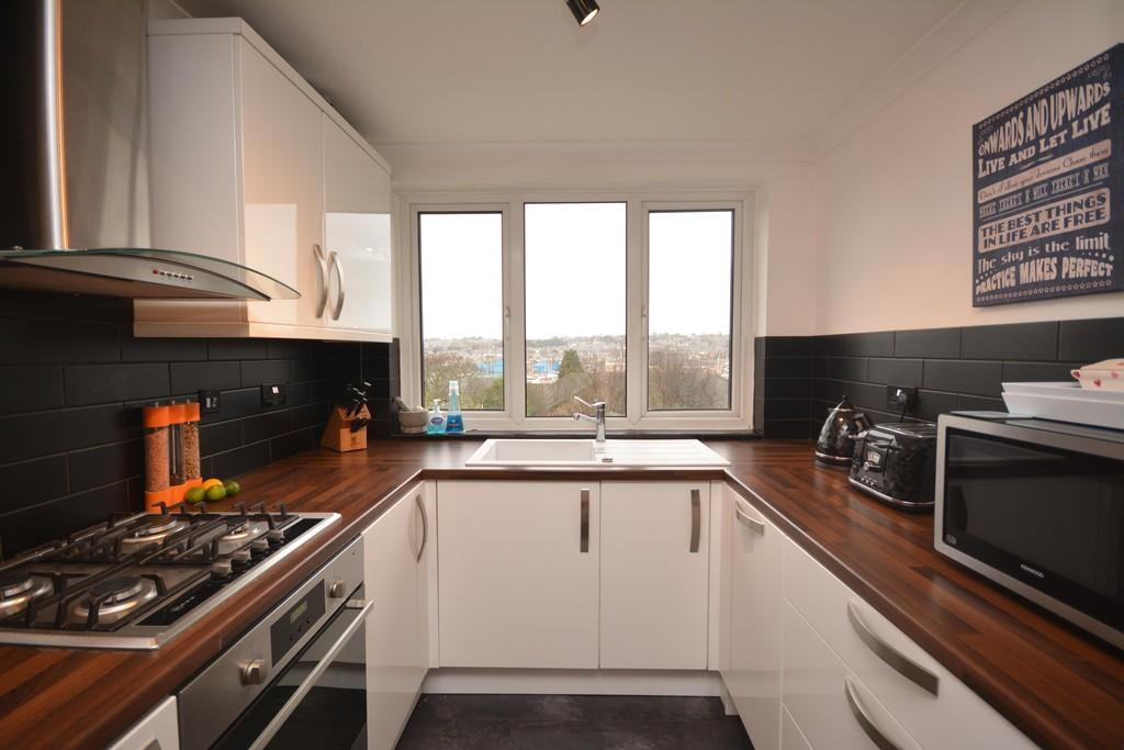 2 Bedrooms End Of Terrace House for sale in Tennyson Road, Cowes