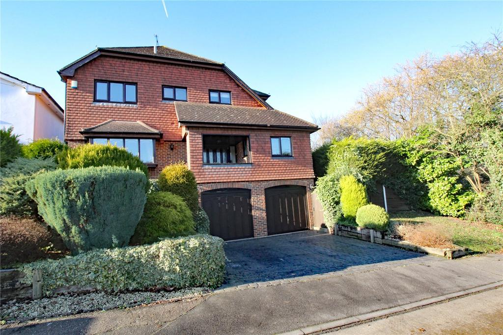 4 Bedrooms Detached House for sale in Victoria Avenue, Langdon Hills, Essex, SS16