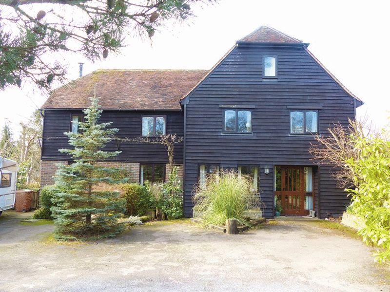 8 Bedrooms Detached House for sale in Carriers Road, Cranbrook