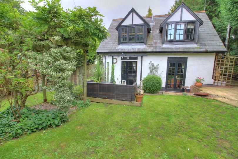 2 Bedrooms Detached House for sale in The Clockhouse, Otterbourne