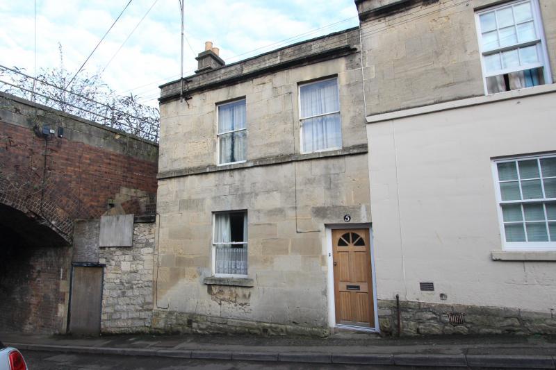 3 Bedrooms End Of Terrace House for sale in OAK STREET