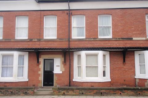 1 bedroom flat to rent - Flat 5, 30 Gladstone Road, Scarborough YO11