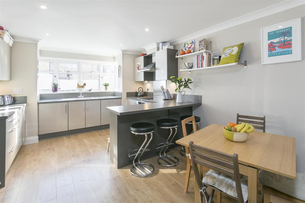 3 Bedrooms Terraced House for sale in Arragon Gardens, Streatham, SW16