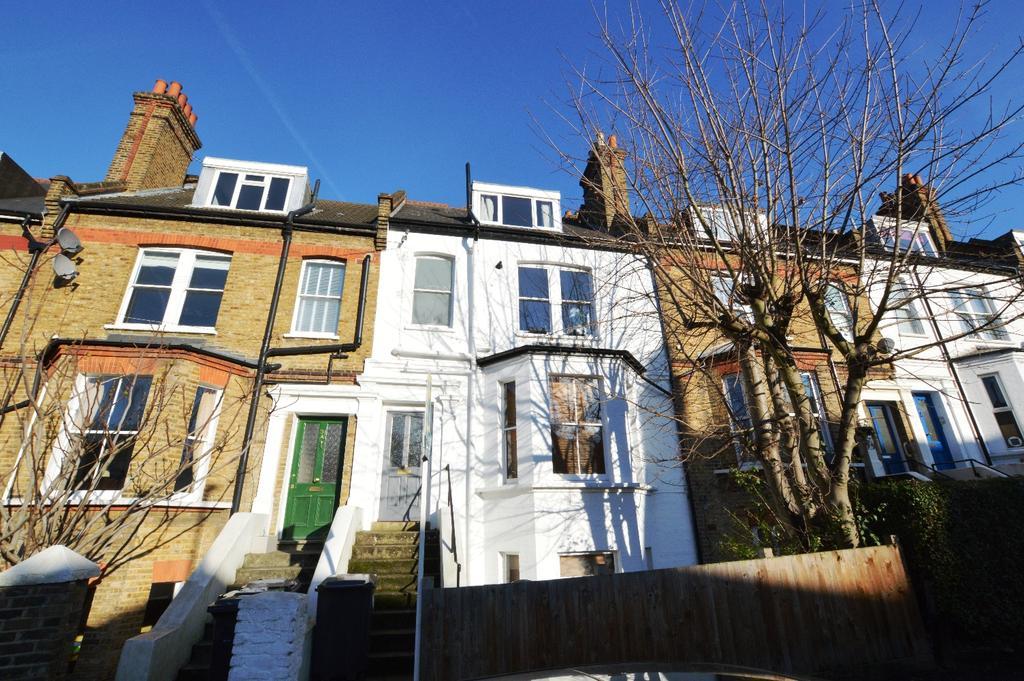 1 Bedroom Flat for sale in Whiteley Road London SE19