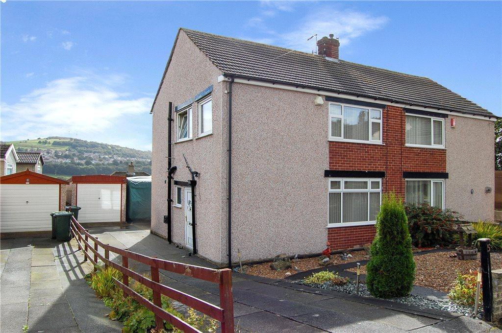 3 Bedrooms Semi Detached House for sale in Fyfe Crescent, Baildon, West Yorkshire