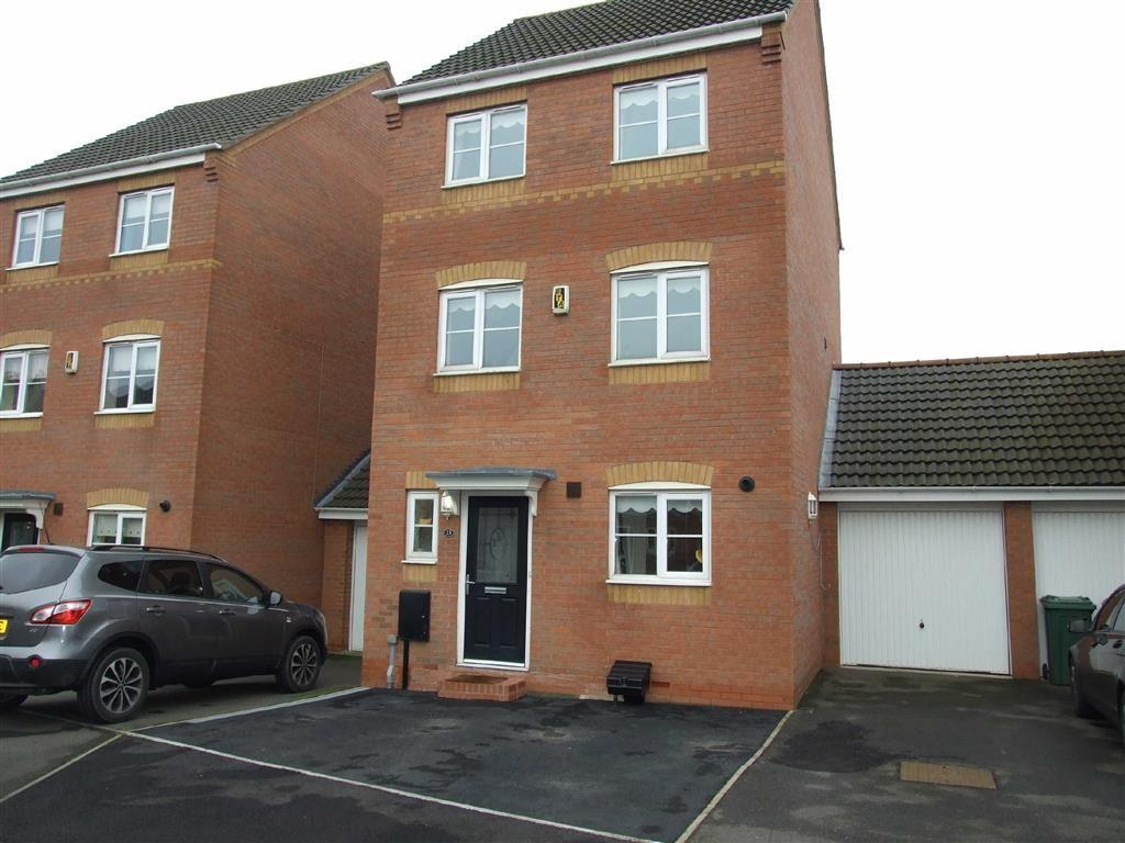 4 Bedrooms Detached House for sale in Forsythia Close, Bedworth
