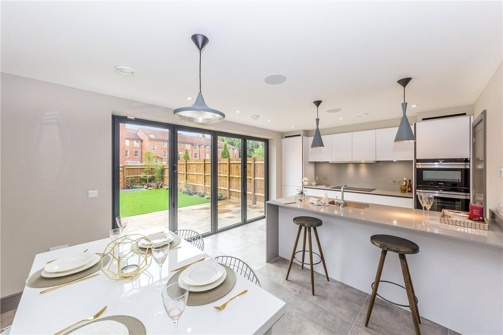 3 Bedrooms Terraced House for sale in Groom Place, Welwyn Garden City, Hertfordshire