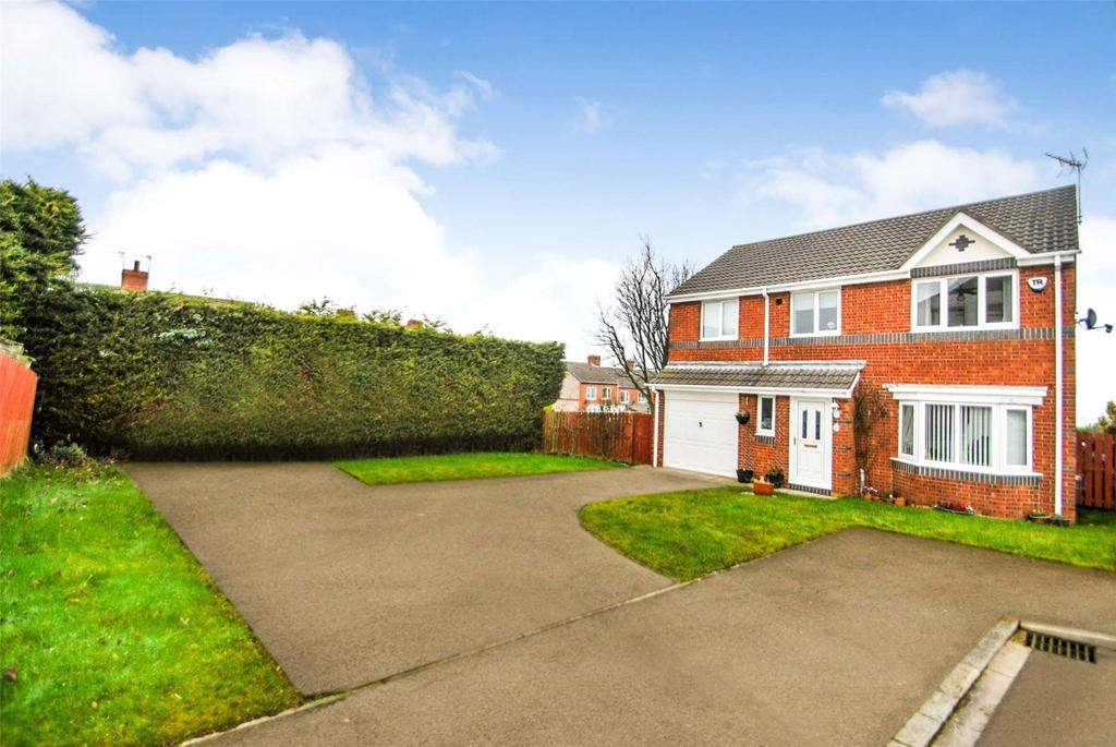 4 Bedrooms Detached House for sale in Dawlish Close, Seaham, Co Durham, SR7