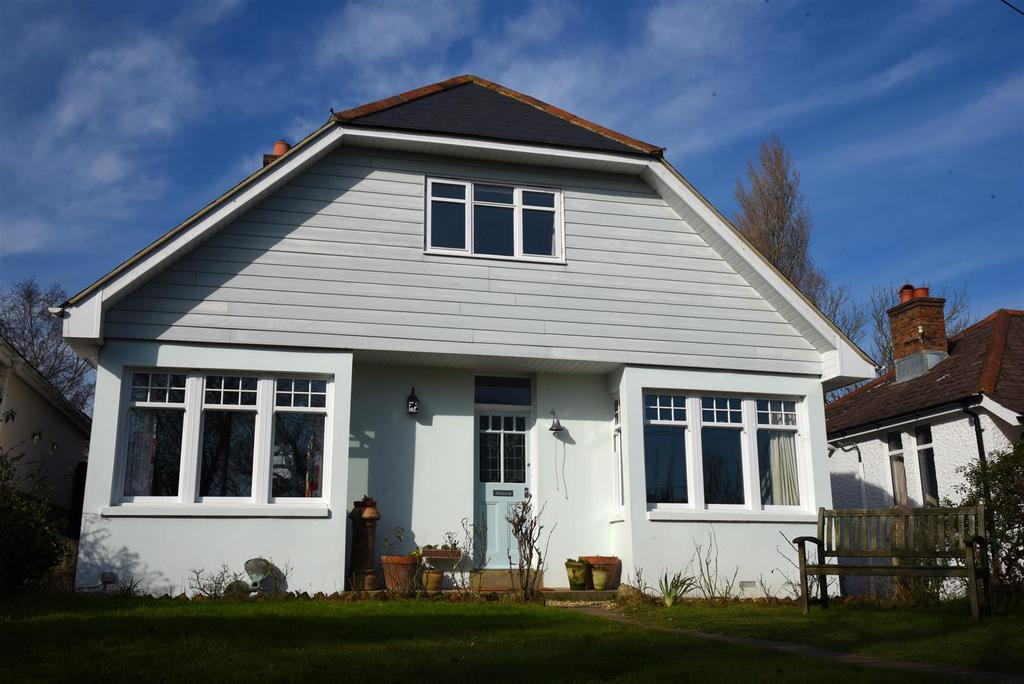3 Bedrooms House for sale in East Cowes Road, Whippingham
