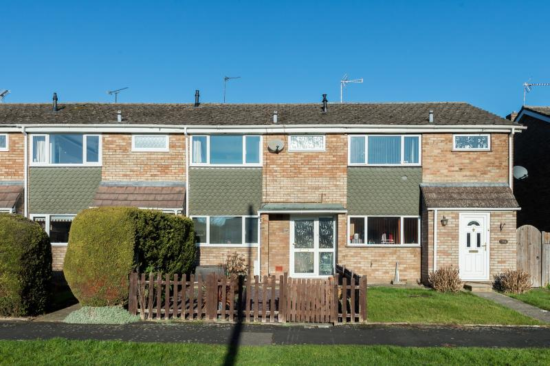 3 Bedrooms Terraced House for sale in Colwell Drive, Witney, Oxfordshire