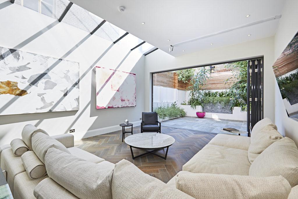 5 Bedrooms Terraced House for sale in Ellingham Road, Shepherds Bush, London, W12