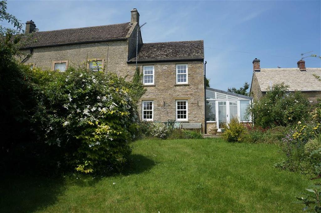 2 Bedrooms Semi Detached House for sale in Mount Pleasant Close, Stow-on-the-Wold, Gloucestershire