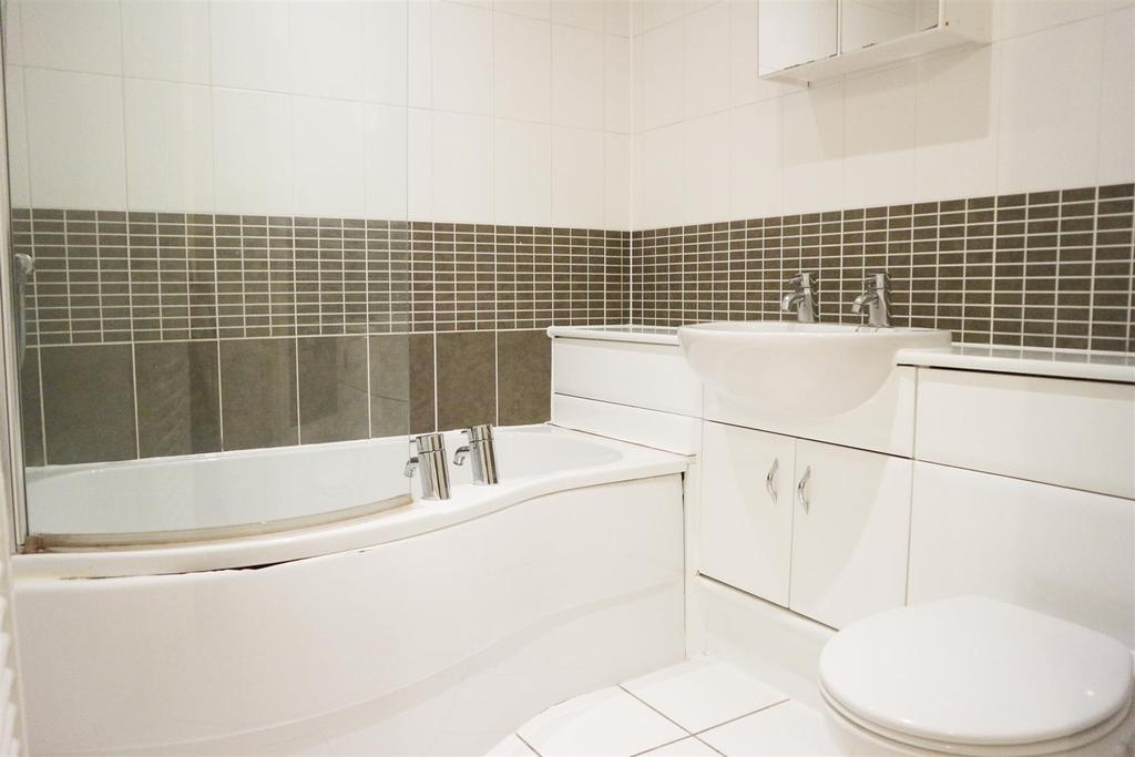 2 Bedrooms Apartment Flat for sale in Red Admiral, Worcester Street, Stourbridge