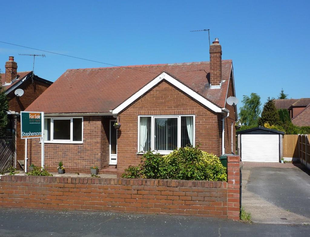 3 Bedrooms Bungalow for sale in Sandway Drive, Thorpe Willoughby
