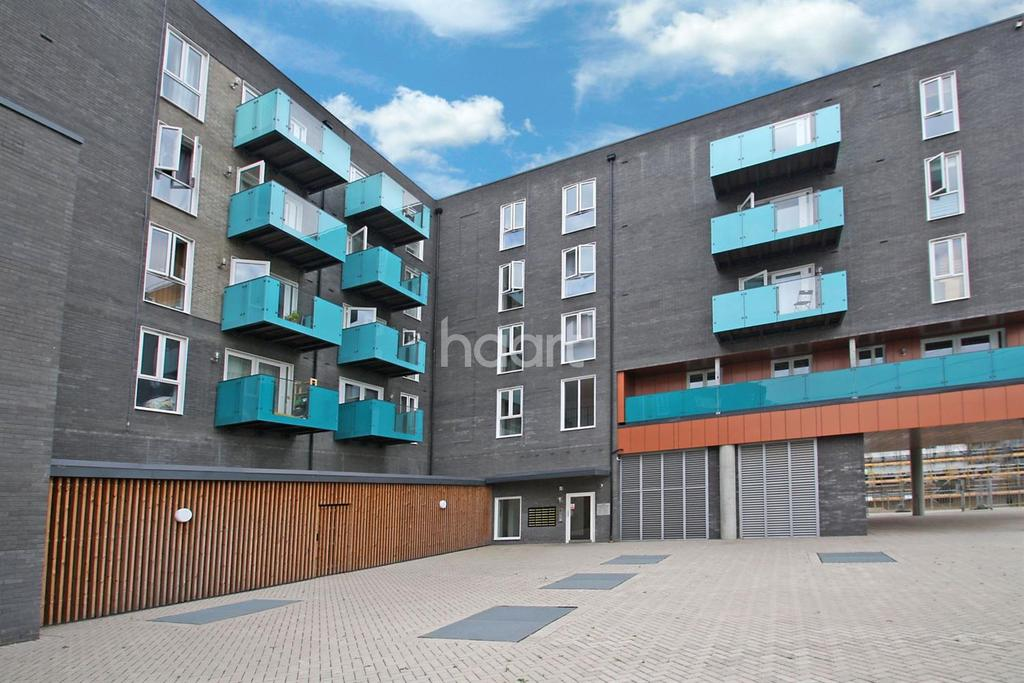 1 Bedroom Flat for sale in Leslie Hitchock House, Minter Road