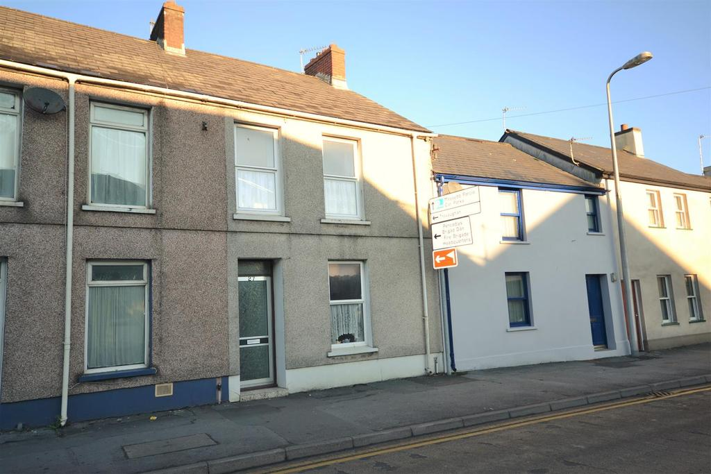 2 Bedrooms Terraced House for sale in Carmarthen