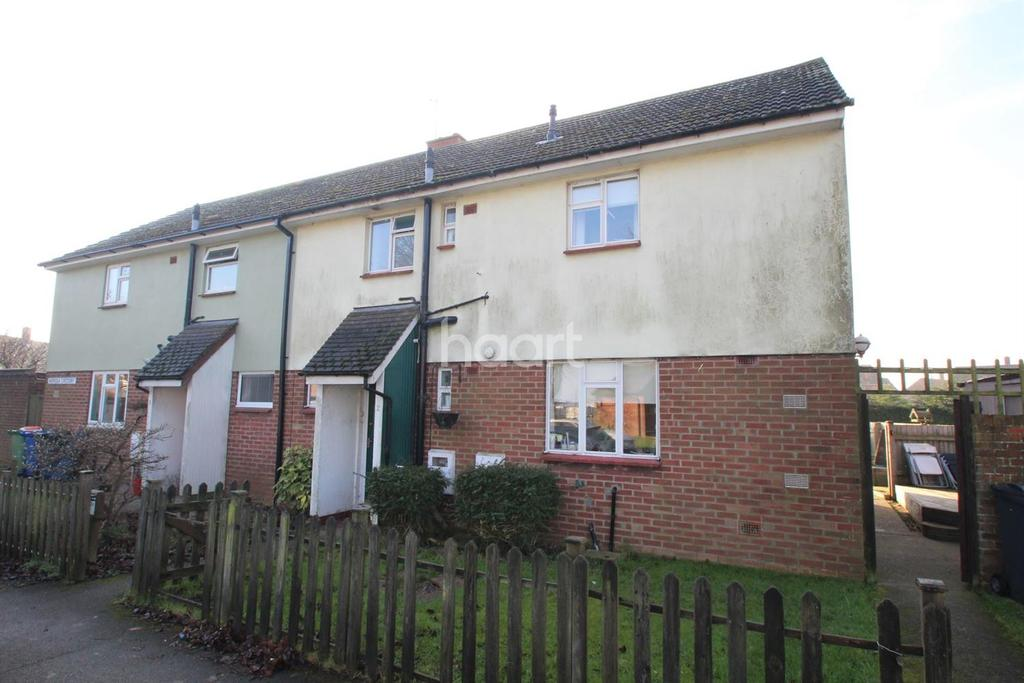 3 Bedrooms Semi Detached House for sale in Norfolk Crescent, Scampton, Lincoln, LN1