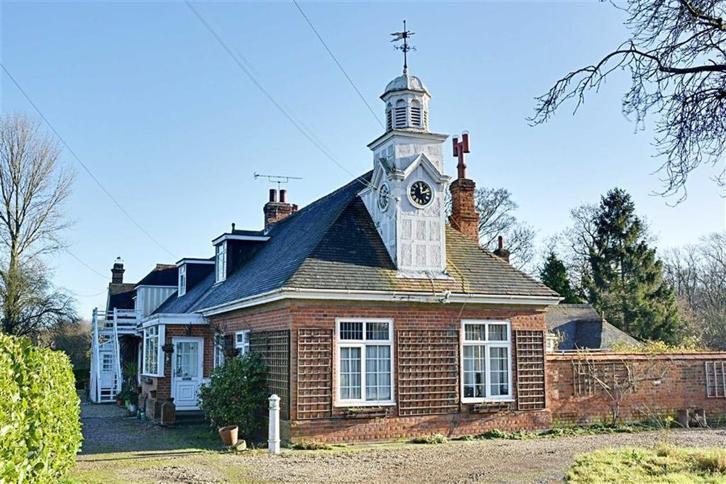 2 Bedrooms End Of Terrace House for sale in Ashendene, White Stubbs Lane, Bayford, SG13
