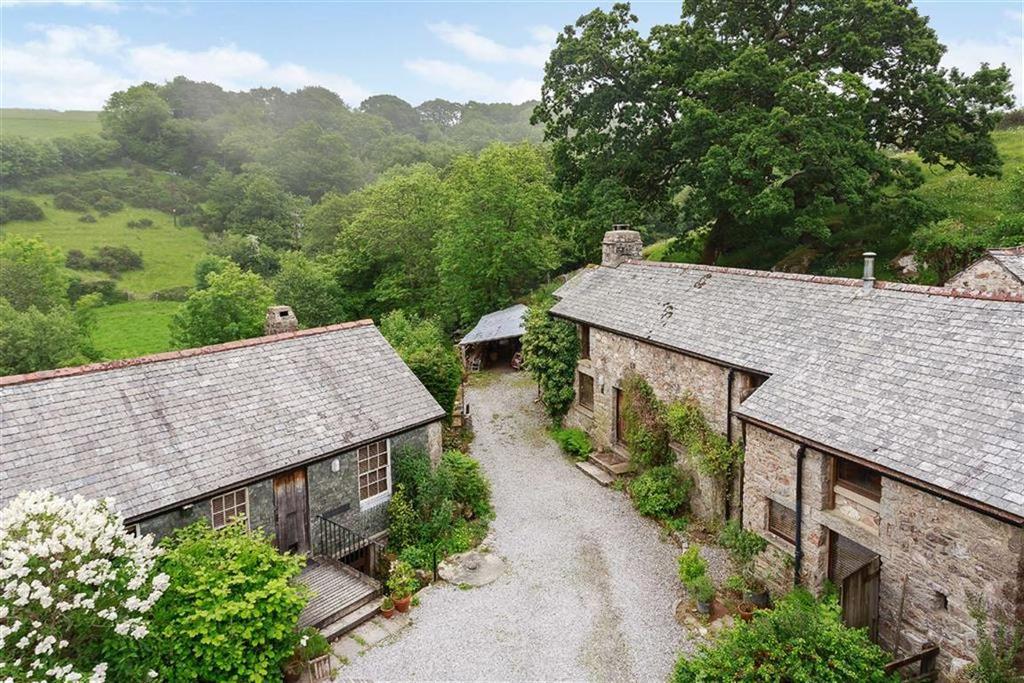 3 Bedrooms Detached House for sale in Ponsworthy, Dartmoor, Devon, TQ13