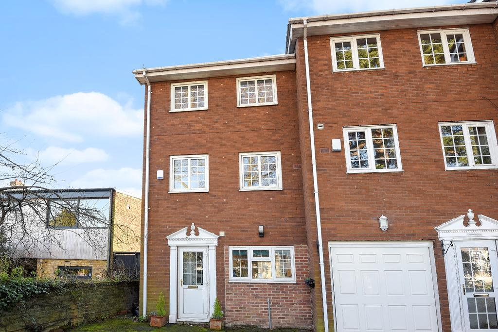 4 Bedrooms Town House for sale in Mottingham Lane London SE9